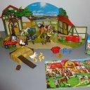 Inhalte von 2 Playmobil Adventskalendern  Reiterhof  (9262+4167)