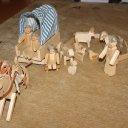 Holzpuppen, -tiere, -planwagen Set 16 €