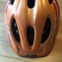 Gut erhaltener KED Helm zu verschenken