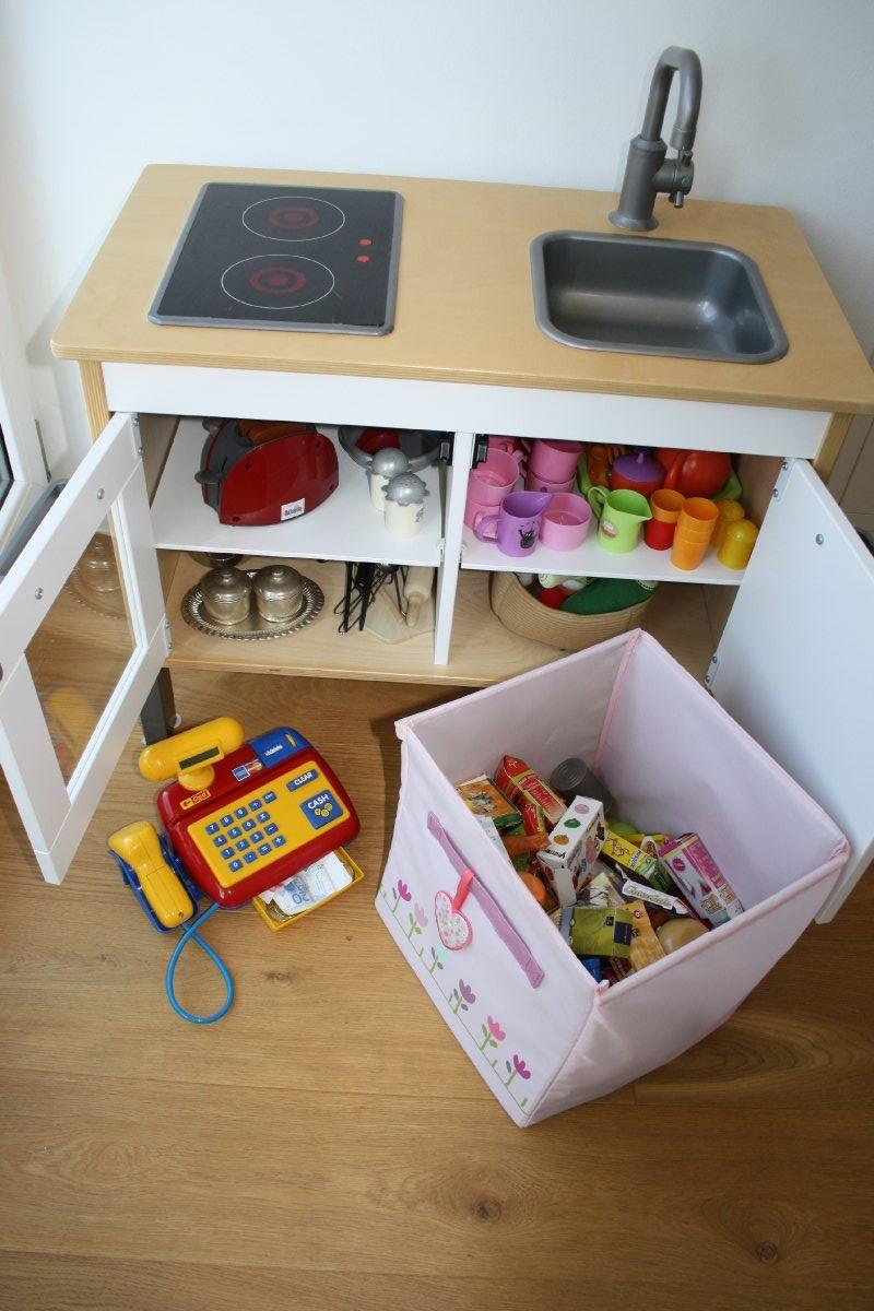 kinderk che aus holz ikea unterteil mit zubeh r suche. Black Bedroom Furniture Sets. Home Design Ideas